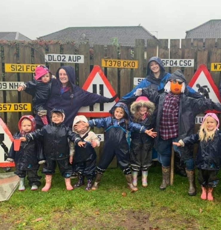 CND - Children at fence